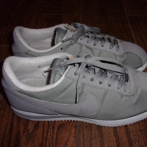 outlet store e4c7f 33331 Men Nike Cortez Basic Nylon  06 Grey Running Shoes.  M 5c700139c61777e52d0783dd